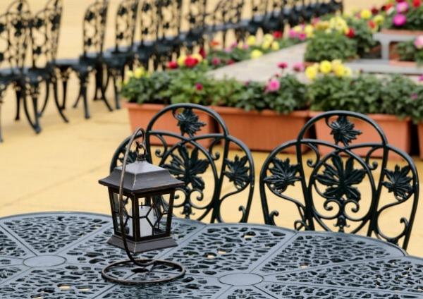オーダーメイドのアイアン家具は店舗用としてもおすすめ!~椅子やテーブルなどお問い合わせはお気軽に~